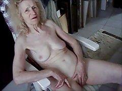 पुराने कुतिया josee असली वेश्या गृहिणी 70 yrs